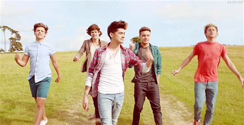 live while we re testo one direction my take me home live while we re
