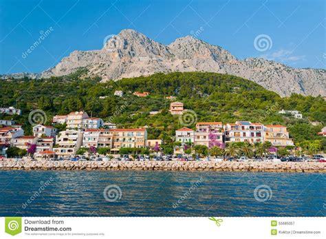 wohnungen kroatien strand mit wohnungen in podgora caklje kroatien stockfoto