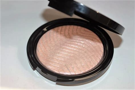 makeup forever pro light fusion highlighter makeup forever pro light fusion highlighter review swatch