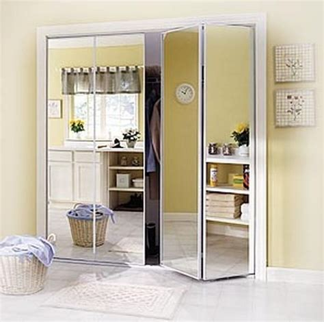 Mirrored Accordion Closet Doors 1000 Ideas About Mirrored Bifold Closet Doors On Pinterest Closet Doors Mirrored Closet