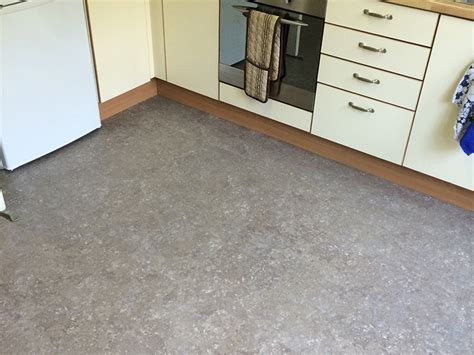 marmoleum bathroom floor kitchen bathroom the flooring