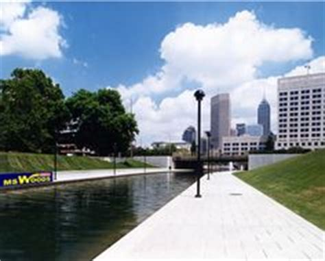 paddle boats on the canal in indianapolis 1000 images about white river canal walk on pinterest