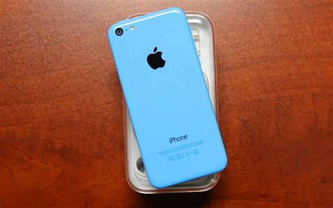 best price for iphone 5c walmart drops iphone 5c price to 45 for the season