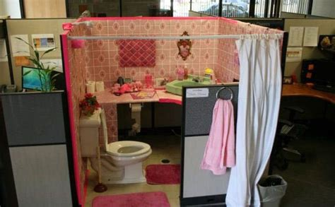 bathroom prank ideas 40 hilarious office pranks that will make you so glad you don t work here 22 words