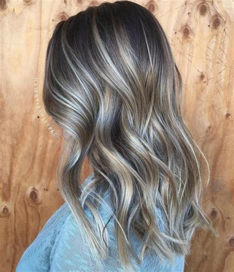 will pale ash blonde highlights blend with gray and brown hair 40 ash blonde hair looks you ll swoon over