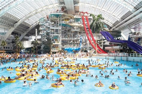 best waterpark in world 12 best water parks in the world the vacation times