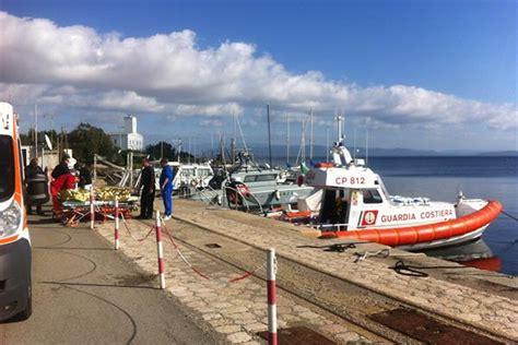 capitaneria di porto sant antioco incendi in barca a vela a sant antioco