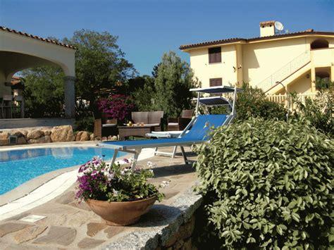 götz george haus sardinien ferienhaus bungalow und fewo details mediterrane villa