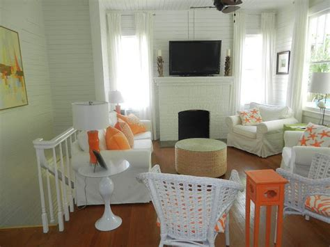 very very vicky coral cottage is in cottage style very very vicky coast awhile cottage the living room is