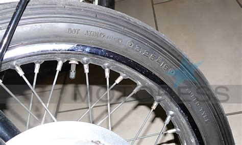Motorradreifen Laufrichtung Falsch by Guide To Reading Your Motorcycle Tire Sidewall Markings