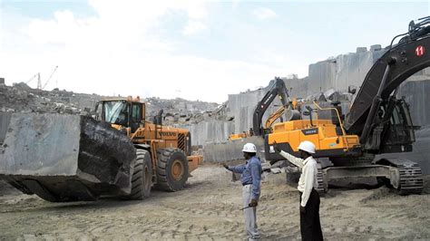 world highways  indian quarry  boosting output   volvo ce machines