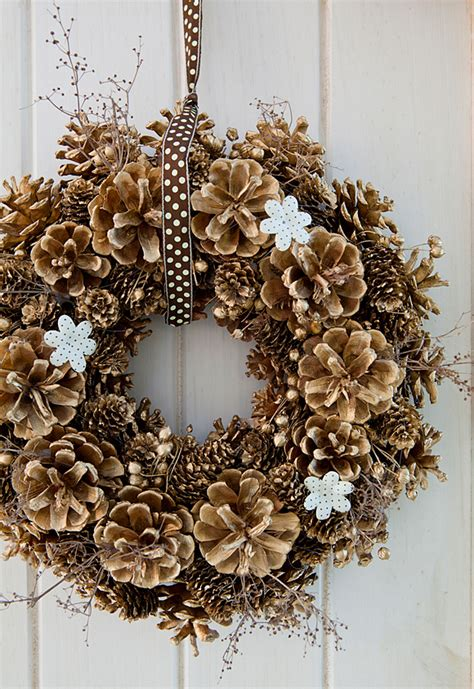 diy decorations with pine cones diy pine cone wreath 2015 tree decorating ideas 2015