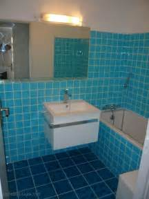 couleur de salle de bain bleu peinture faience salle de bain