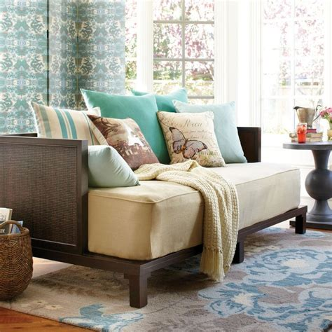 daybed as couch 25 best ideas about daybed couch on pinterest daybed