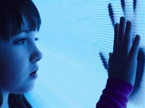poltergeist remake   trailer release date
