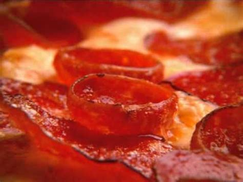 round table pizza washougal round table pizza triple play pepperoni youtube