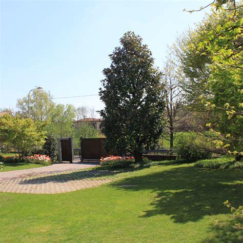 progettazione giardini bergamo giardiniere a bergamo progettazione e manutenzione giardini
