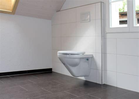 badezimmer 2 x 3 badezimmer mit hellem und dunklem plattenbelag