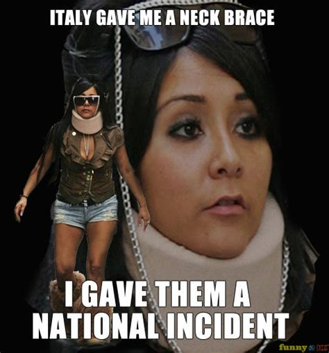 Neck Brace Meme - pictures of snooki wearing a neck brace and photoshoppe