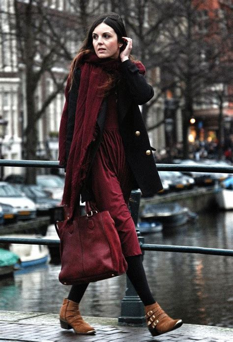 Maroon Bedroom Ideas 10 fall outfit ideas in burgundy color to wear right now