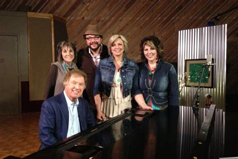 the isaacs the isaacs in the studio gaither music