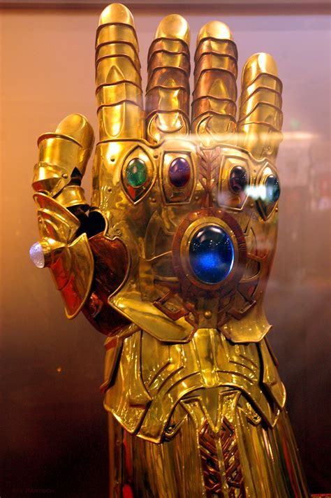 does age of ultron reveal two infinity gauntlets