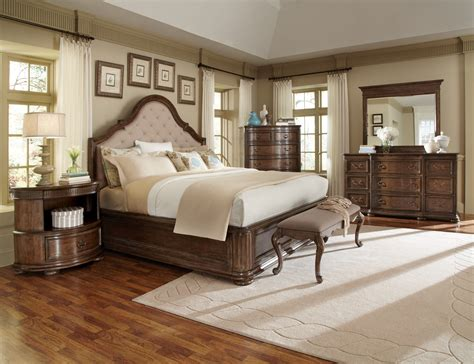 cotswold upholstered fabric panel bedroom set 12856