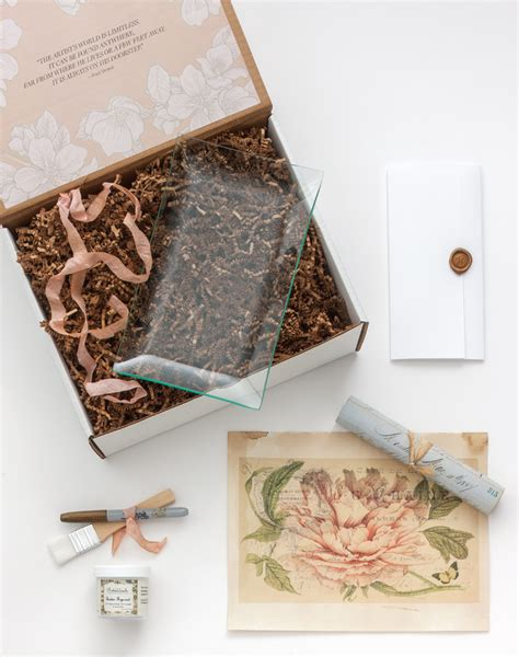 decoupage kit exclusive for introducing the limited edition