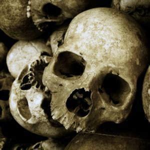 8 Weirdest Burial Rituals by 8 Burial Customs Health24