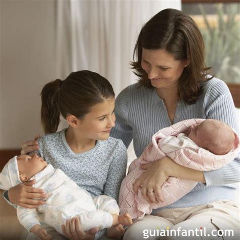 mama caliente mama ensea a su hija de 12 aos como ni 241 a imita a ser mam 225 las ni 241 as imitan a las madres tal