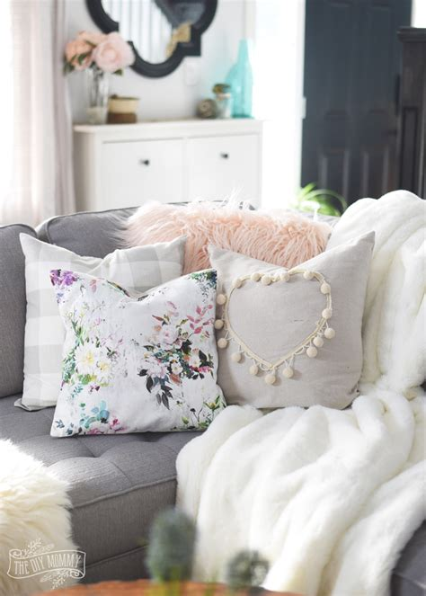 How To Make Pillow Fluffy Again by How To Sew A Faux Fur Pillow Cover Tips For Sewing