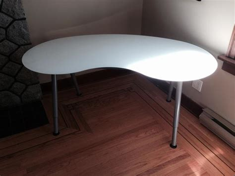Kidney Shaped Glass Desk Modern Ikea Kidney Shaped Glass Desk In Excellent Condition City