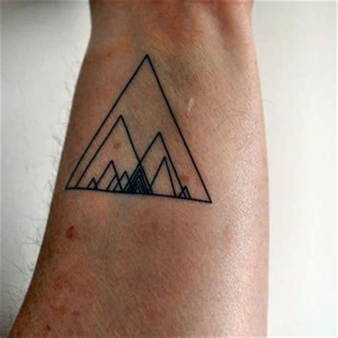minimalist hipster tattoo 1000 ideas about geometric triangle tattoo on pinterest