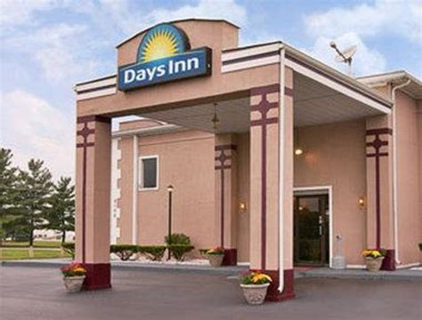 days inns locations breakfast area picture of days inn indianapolis east