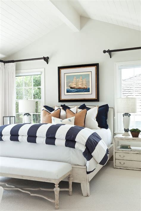 Nautical bedding for beach style bedroom with blue and white beeyoutifullife com