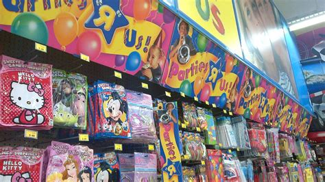 toys r us dirty laundry vintage i m a toys r us kid