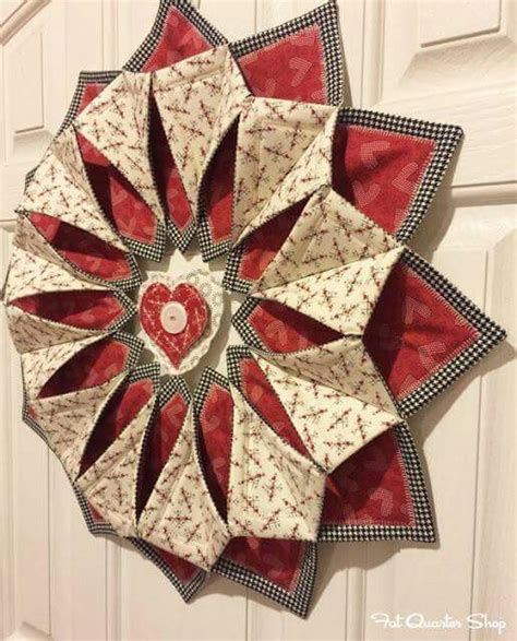 Patchwork Wreath Pattern - 17 best images about quilting on fabrics