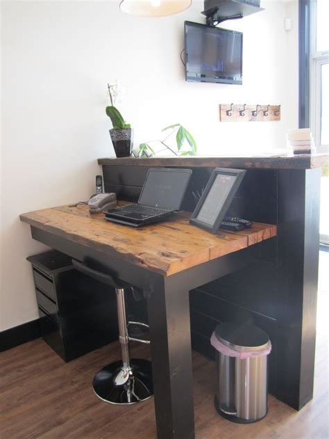 Small Salon Reception Desk 25 Best Ideas About Salon Reception Desk On Salon Reception Area Salon Ideas And