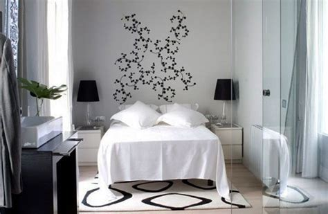 make a small bedroom look bigger 40 design ideas to make your small bedroom look bigger