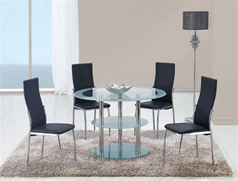 contrasting black or white contemporary dining room set