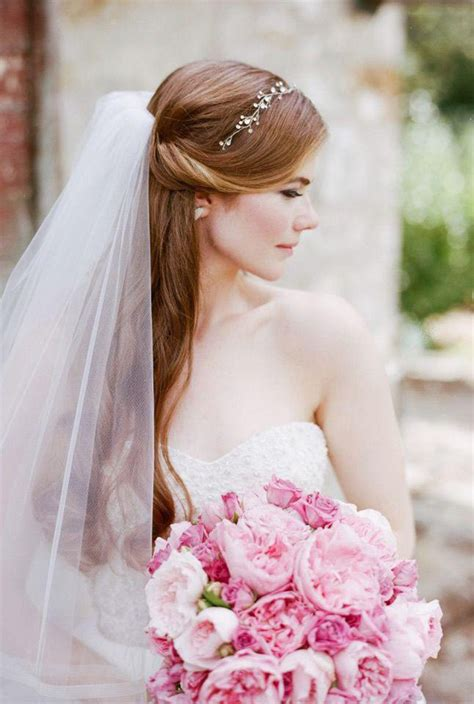 Wedding Hairstyles Hair Veil by 10 Wedding Hairstyles For Hair With Veil In 2018