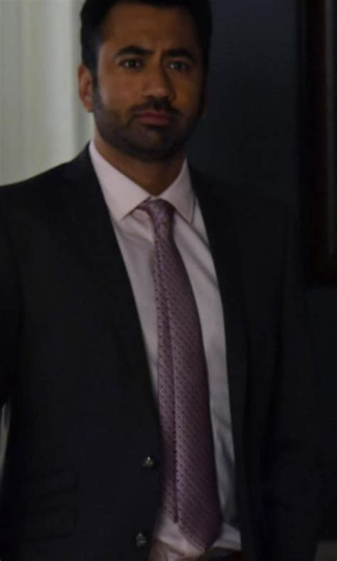 designated survivor kal penn designated survivor clothes fashion and filming locations