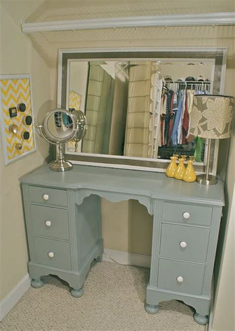 Diy Desk Into Vanity by Re Purposed Desk Turned Into Vanity I Can Probably