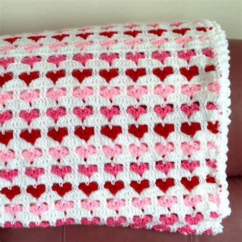 Heart Pattern Crochet Blanket   hearts baby crochet blanket stylesidea