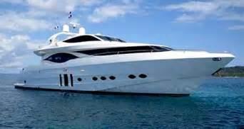 yacht jaguar type de navire bateau de plaisance navires deplaisance 224 moteur mer et design