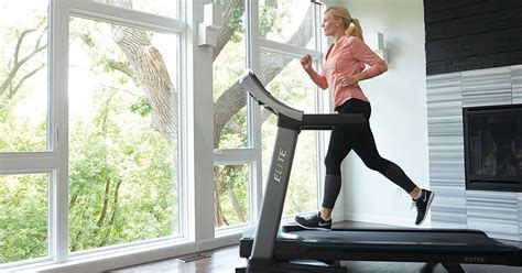 how to a on a treadmill how to run on a treadmill johnson fitness