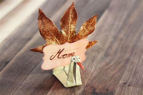 Thanksgiving Origami - how to make origami thanksgiving place cards