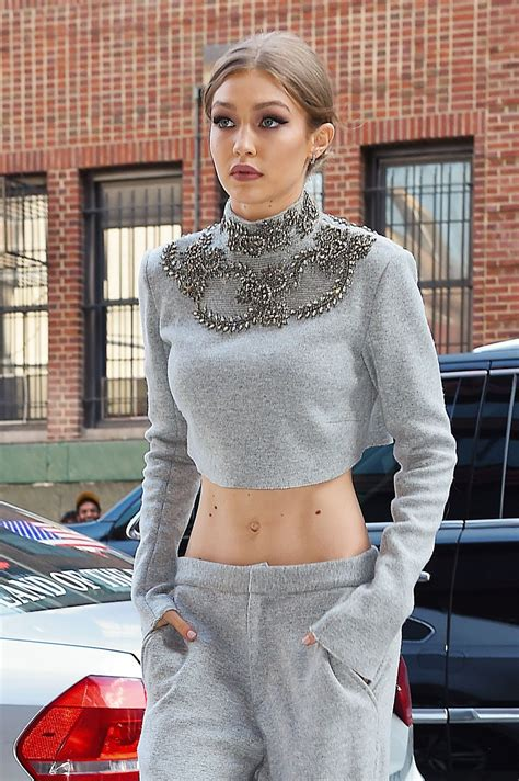 gigi hadid gigi hadid arrives at her apartment in new york 04 12 2017