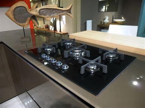 piano cottura cristallo nero outlet valcucine una cucina in offerta a prezzo d