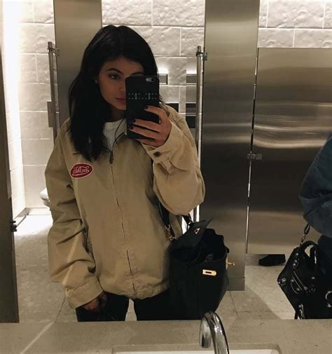 kylie jenners bathroom kylie jenner shops in chuck taylor converse all star shoes